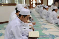 one-million-irani-school-children-memorizes-holy-quran